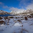 Snow at Cradle Mountain by tinnieopener