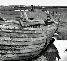 Blakeney Wreck by daimonic