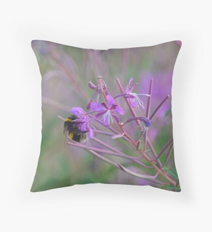Bumble Bee on pink Flowers Throw Pillow