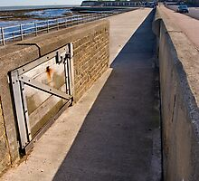 Minnis Bay Promenade by Geoff Carpenter