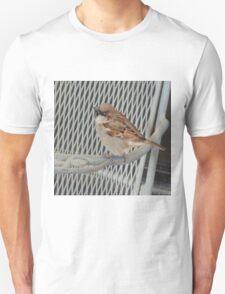 Sitting bird. T-Shirt