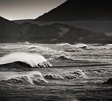 cape wave by Neil Messenger