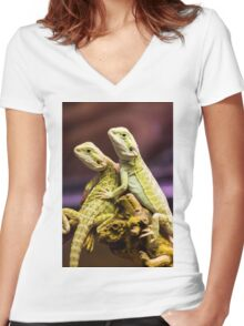 Lizards in Love Women's Fitted V-Neck T-Shirt