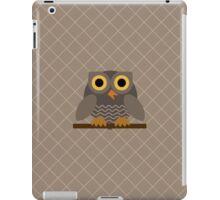 Sitting Grey Owl  iPad Case/Skin