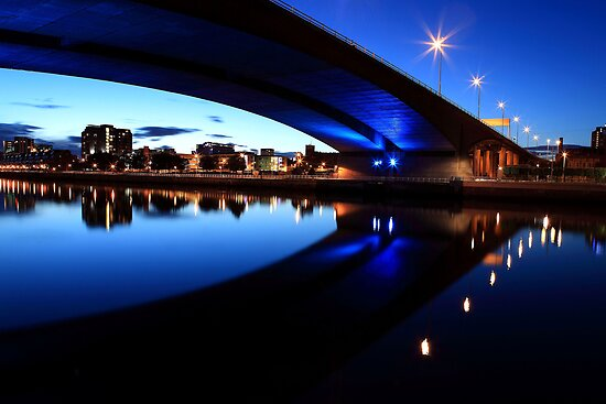 Kingston Bridge by jaypeekay
