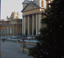 Blenheim Palace at Christmas by rualexa