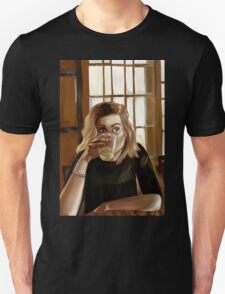 Girl with blond hair and blue eyes drinking lemonade T-Shirt