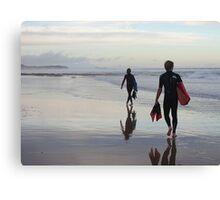 Surfers >> Canvas Print