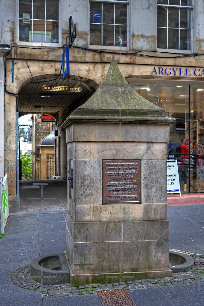 The High Street Wellhead by Tom Gomez