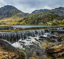 Llyn Ogwen Weir by Ian Mitchell