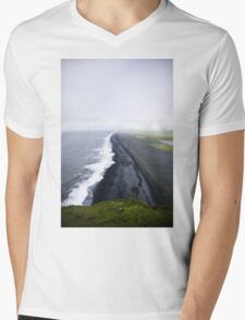 Dyrhólaey Mens V-Neck T-Shirt