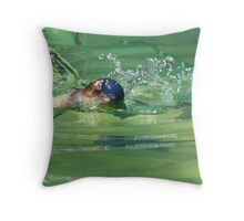 Penguin in action Throw Pillow