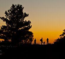 Ammirando il tramonto  by Andrea Rapisarda