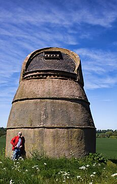 Phantassie Doocot  by Lynne Morris