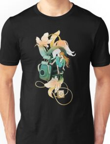 Thumbelina - Peach Unisex T-Shirt