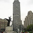 La Torre Latinoamericana desde Bellas Artes by Christopher Johnson
