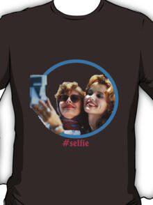 Thelma and Louise selfie - Susan Sarandon & Geena Davis T-Shirt