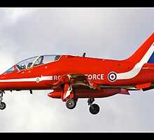 Red Arrow   XX 306    (Hawk T1) by Gordon Holmes