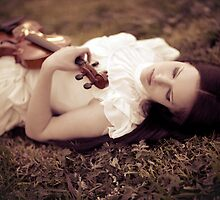 Violinist Dream by Reynandi Susanto