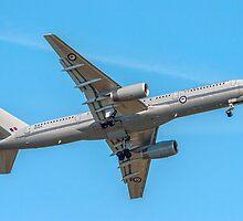 Boeing 757-2K2 NZ7572 of 40 Sqn RNZAF by Colin Smedley