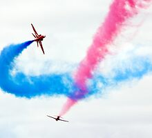 Red Arrows Fly-Past by Lizzylocket