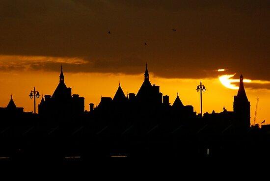 Sunset in London by Giulio Bernardi