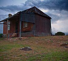 Old House-Orange N.S.W by Victor Sinden
