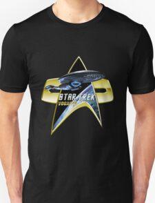StarTrek Vogager Com badge 2 Unisex T-Shirt