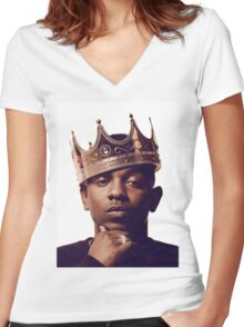 "Kendrick Lamar - ""The king"" Women's Fitted V-Neck T-Shirt"