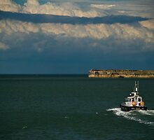 Dover Harbour Patrol by AjayP