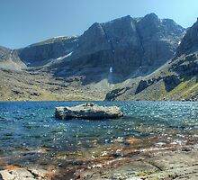 Coire Mhic Fhearchair by Jamie  Green