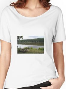 Lake Women's Relaxed Fit T-Shirt