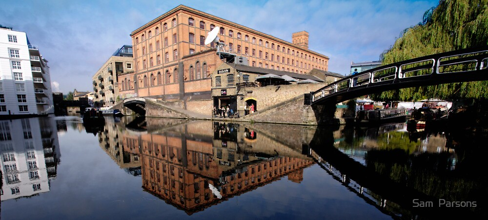 Regents Canal by Sam  Parsons