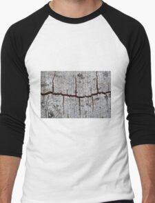 Old bark with cracks. Men's Baseball ¾ T-Shirt