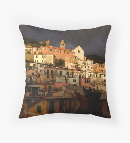 vernazza - hillside Throw Pillow