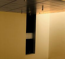 golden empty walls by rogeriogranato