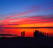 Sunset Rock Beach, Rhode Island by bellaoptics