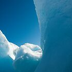 Iceberg tapped in the Arctic Ocean by atlasthetitan