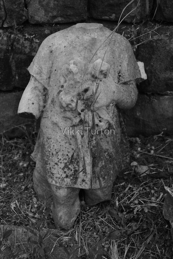 """Childs Grave, Rock Cemetery, Nottingham"" by Vikki Turton"