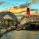 Queen Elizabeth 2 in Sydney Harbour by clydeessex