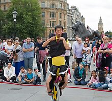 Witty Look perform in Trafalgar Square during the Buskin London Festival by Keith Larby