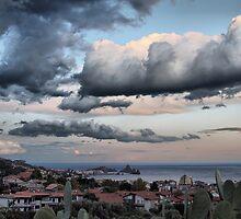 Nuvoloni  sulla riviera  by Andrea Rapisarda