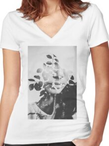 august song Women's Fitted V-Neck T-Shirt