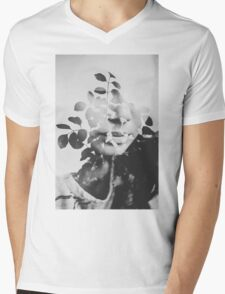 august song Mens V-Neck T-Shirt