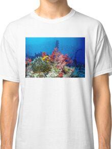 Big small world Classic T-Shirt