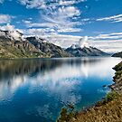 Beautiful Lake Wakatipu New Zealand by Chris  Randall