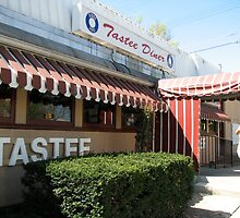 Tastee Diner by Jason Teeple