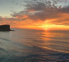 Grace - Avalon Beach, Sydney (30 Exposure HDR Panorama) - The HDR  Experience by Philip Johnson
