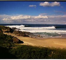 Wollongong City Beach by steen