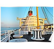 RMS Queen Mary Bow Poster
